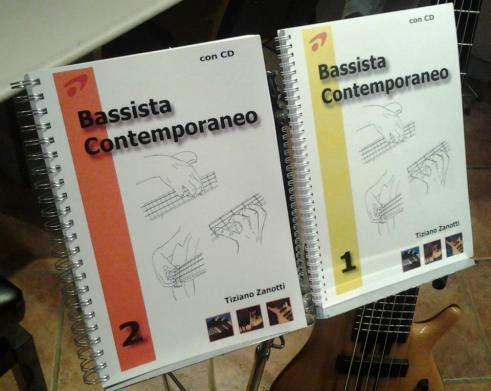 Foto bassista 1 e 2 sul leggio